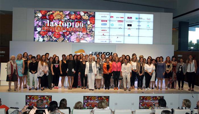 entrega premios top 100 Mujeres