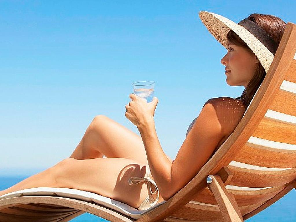 4 Beneficios de tomar el sol con moderación.